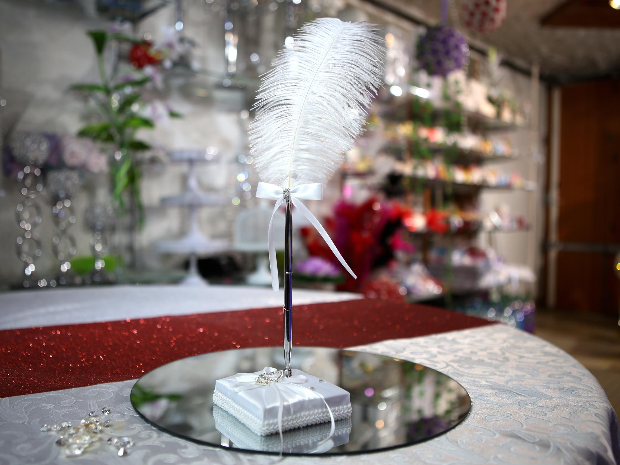 Porte stylo plume mariage élégance satin cœur  MPS1