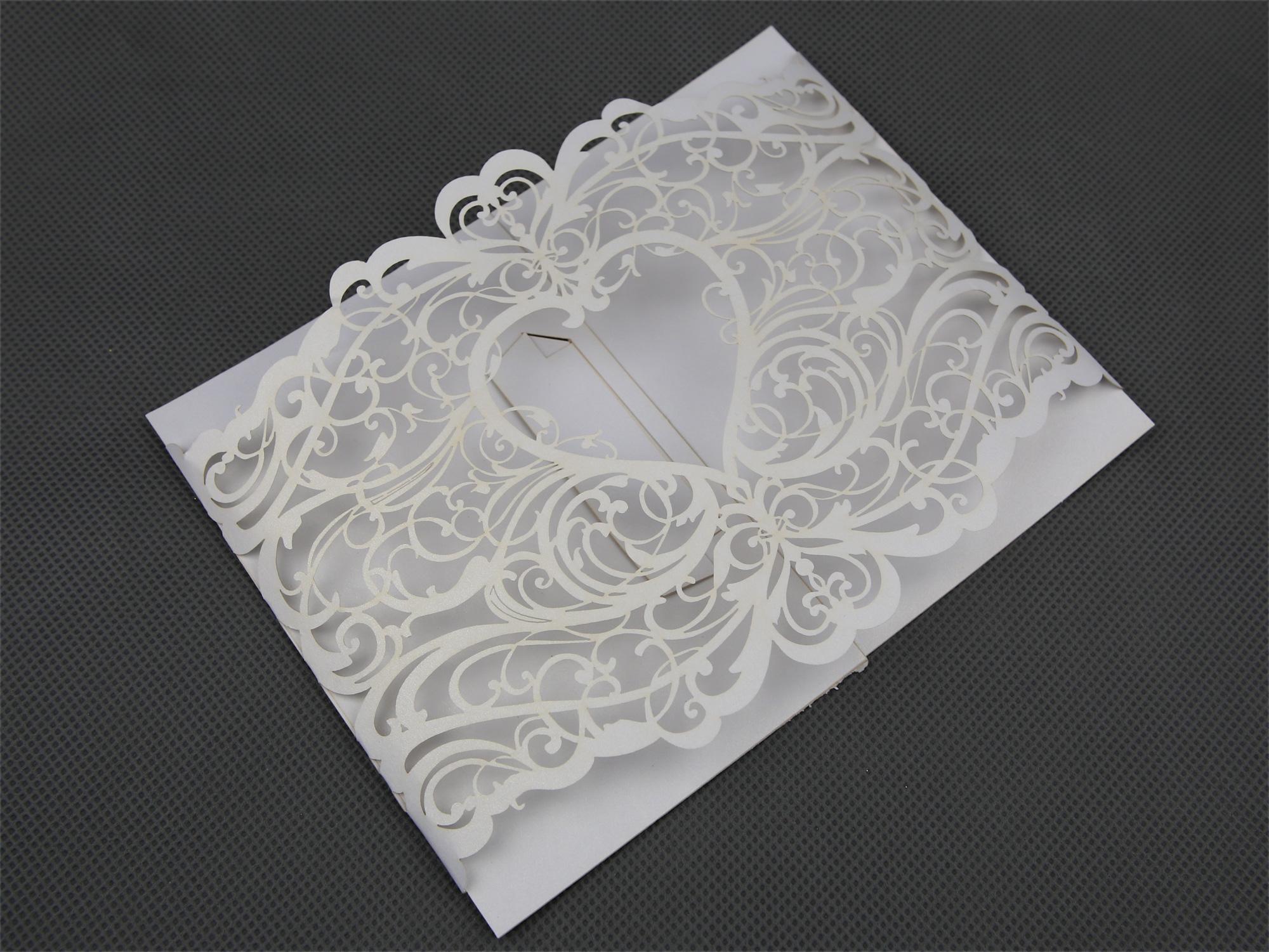 50 Faire part mariage découpé au laser arabesques cœur MFP3