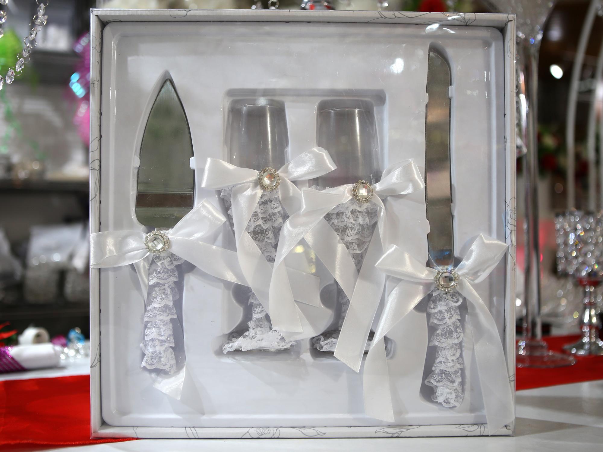Couverts couteau pelle à gâteau avec verres mariage MAC4