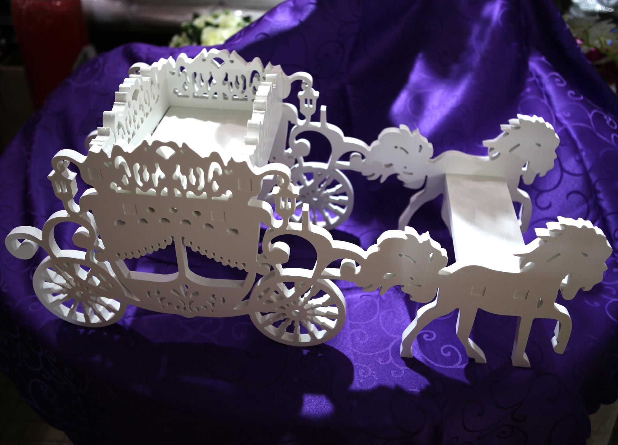 Support contenants à dragées carrosse décoration mariage MPT1