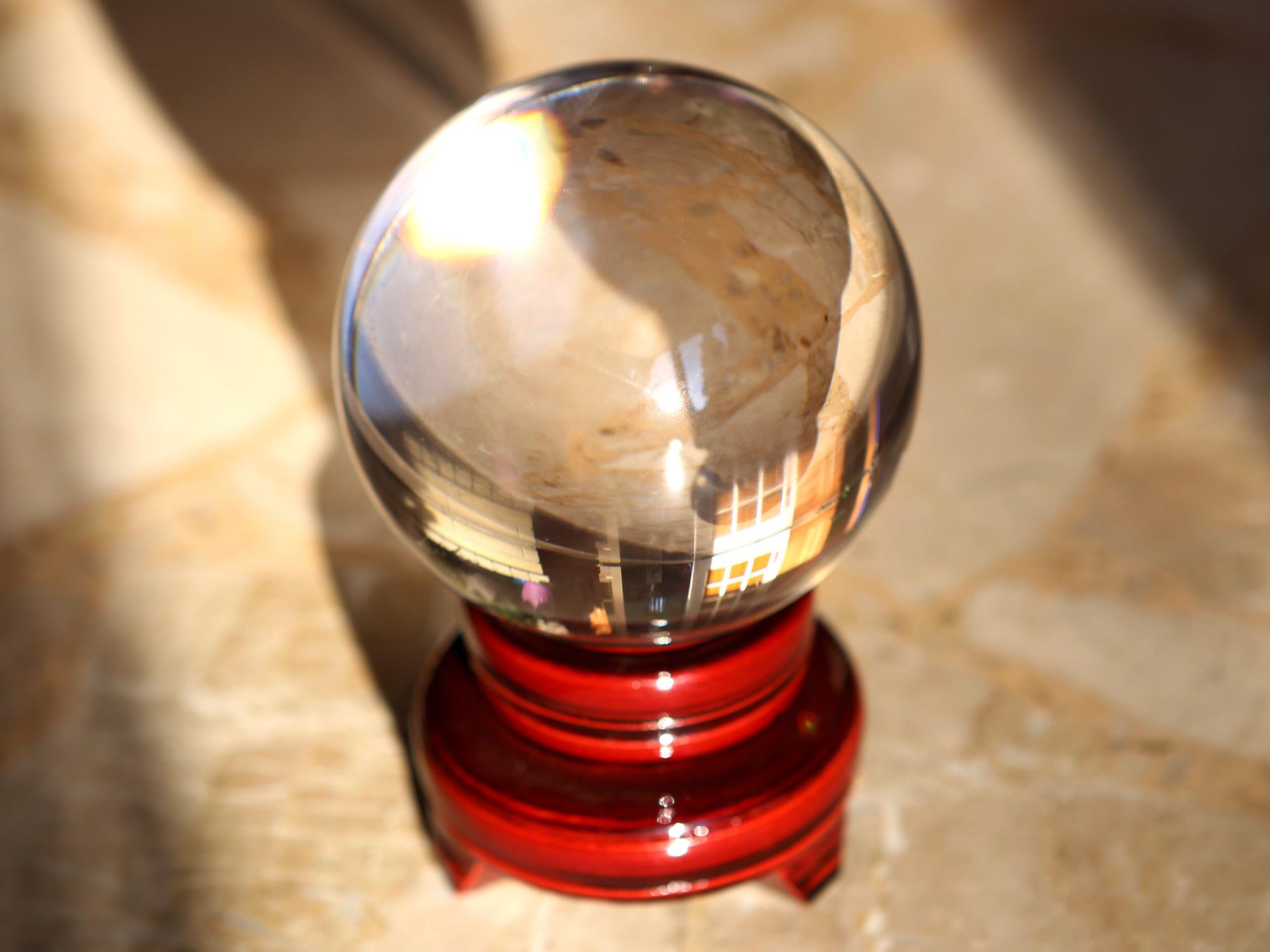 Boule de cristal voyance divination ésotérisme feng shui 10 cm DEB10