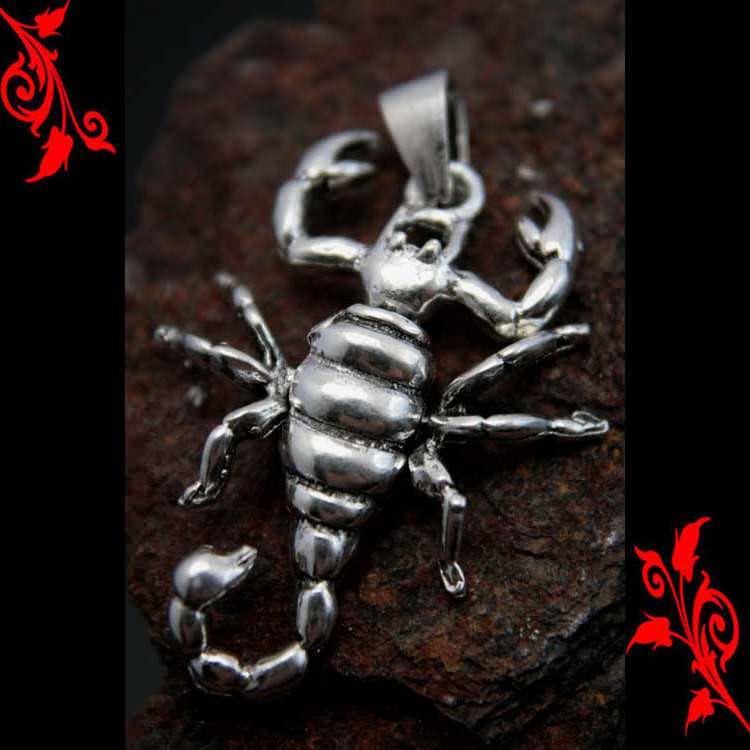 Pendentif scorpion qui bouge gothique homme argent PA36