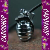 Collier homme pendentif grenade armée acier COS61