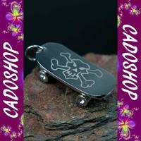 Collier pendentif skateboard tete de mort acier COS4