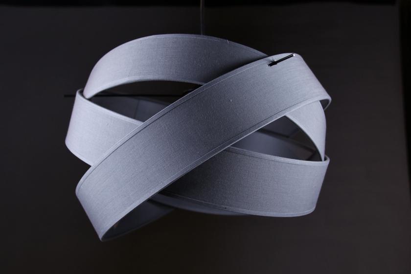 Suspension Bijou grise 4