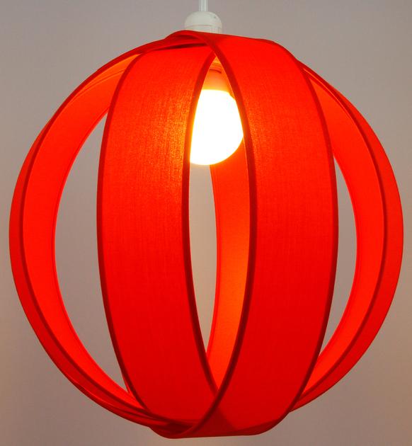 Suspension anneaux rouge parika éclairée
