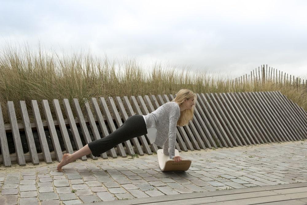 séance de fitness avec la planche Wobbel