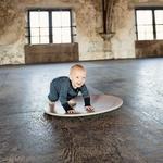 Wobbel360 transparent laqué avec feutre gris - bébé équilibre