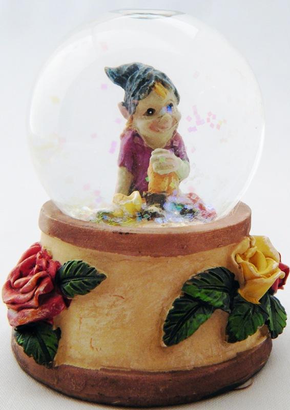 Pixie Boule à Neige (C)