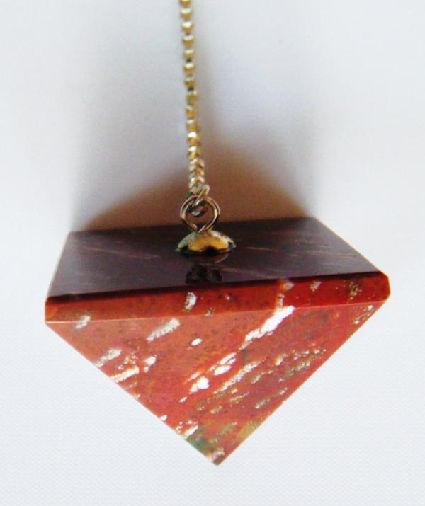 Pendule Pyramide pierre jaspe