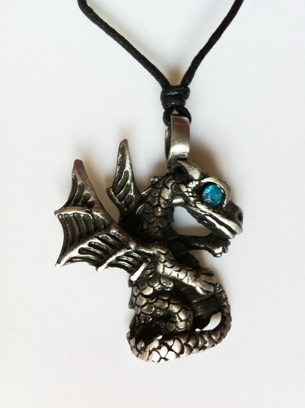 Pendentif Dragon Etain - Oeil saphir B