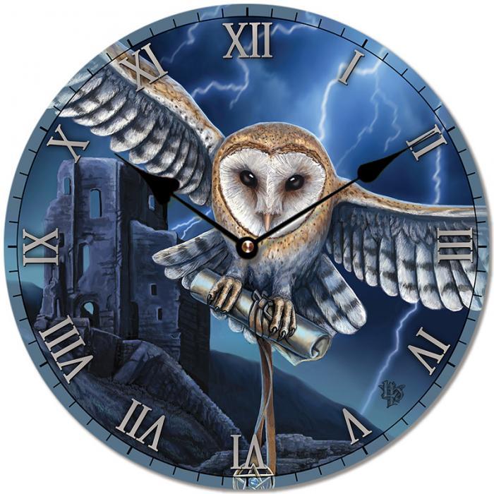Horloge Chouette au Centre de l\'Orage