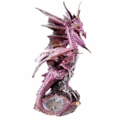 Figurine Dragon perché sur Une Petite Géode (C)