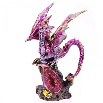 Dragon perché sur Une Grande Géode ( B )