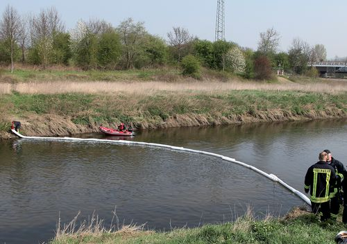 Barrages absorbants pour hydrocarbures