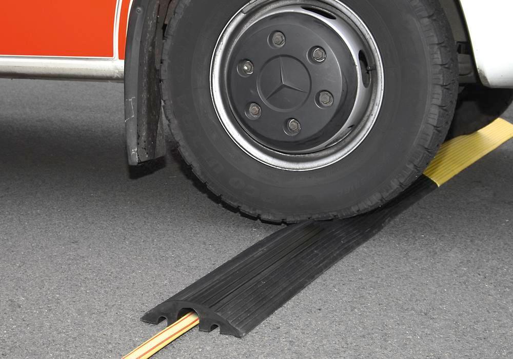 Passage de câbles, jaune, caoutchouc recyclé, avec 3 canaux pour câble