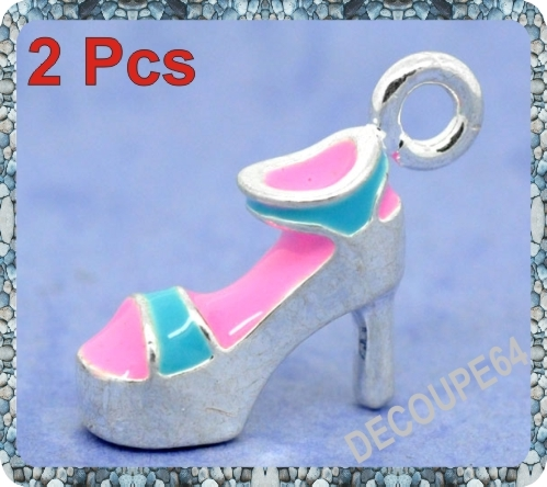1 Pendentif chaussure 3D émaillé 21x12m