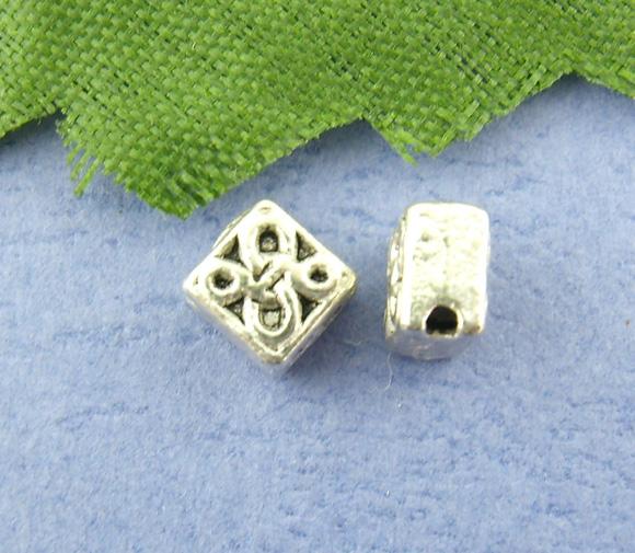 Lot de 22 perles losanges en métal argenté incrusté, 5x5mm