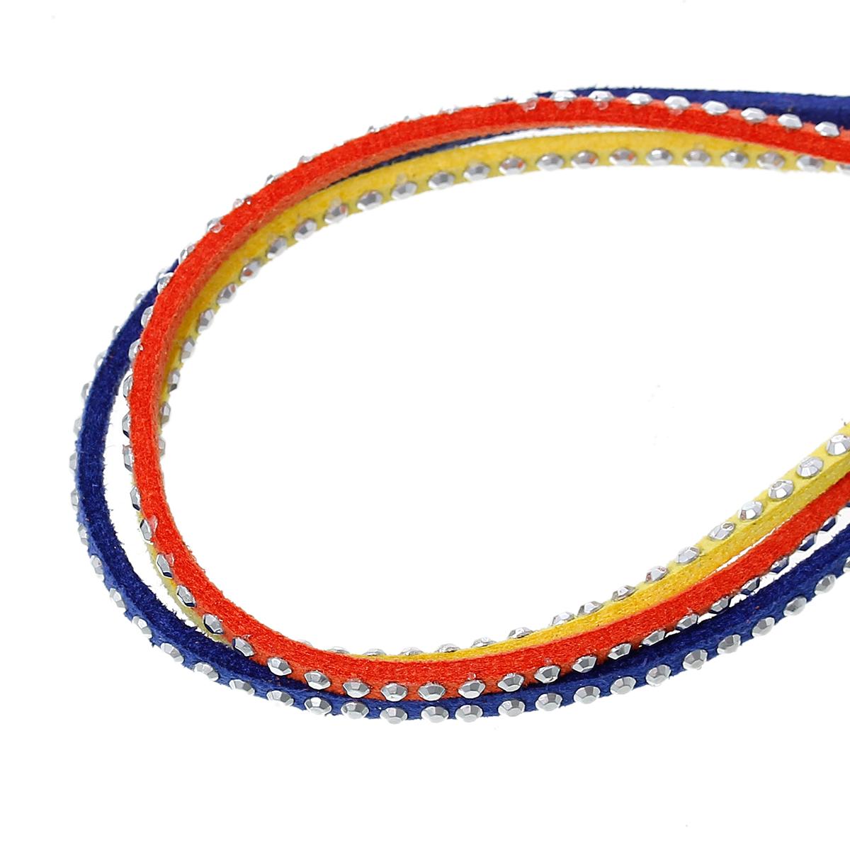 Un mètre de cordon en suédine avec Strass Hot Fix