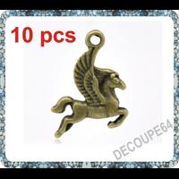 Lot de 10 Breloques cheval  ailé en métal couleur bronze 24x15mm