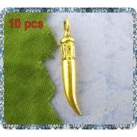 Lot de 10 Breloques corne en métal doré 4x25mm