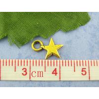 Lot de 25   pendentifs étoile 8x11mm doré or