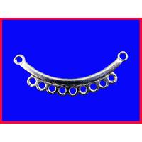 Un connecteur 9 trous pour collier  en métal argenté
