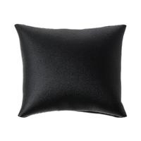 Un coussin ou présentoir à bijoux  86.0mm x 75.0mm en similicuir noir