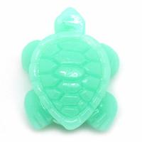 Une  Perle en résine Forme Tortue Vert d'eau 11.0mm x 15.0mm