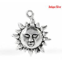Lot de 8 Breloques soleil en métal argenté 23x19mm