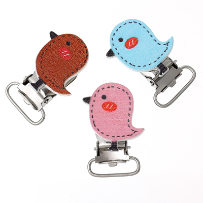 Un Clip pour attache-tétines, pince pour attache sucettes ou bretelles