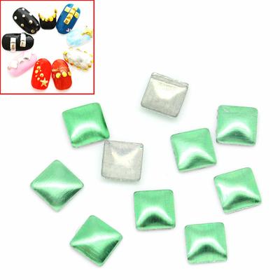 Lot de 100 Strass carré pointe de diamant thermocollant métal vert 2x2mm