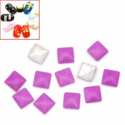 Lot de 100 Strass thermocollant parme  pointe de diamant ou clous à coller, stickers 3x3mm