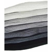 Lot 130 échevettes blanc gris noir écru