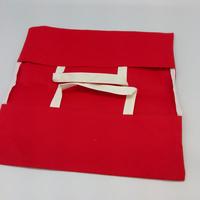 Porte tarte en aida rouge