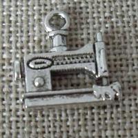 Charms Machine à coudre petite