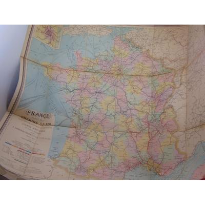 : Carte des chemins de Fer avec stations, distances et compagnies Lignes maritimes et ports desservis...
