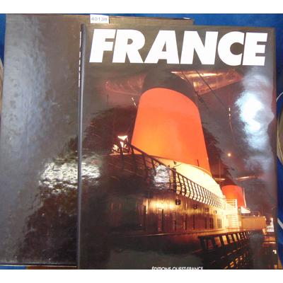 Wilson  : Le France. Photographies de Jean-Marie Chourgnoz...