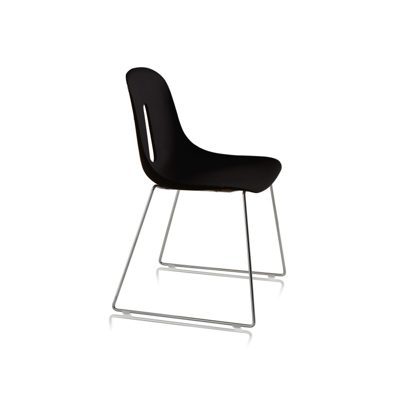 chaise_empilable_noir