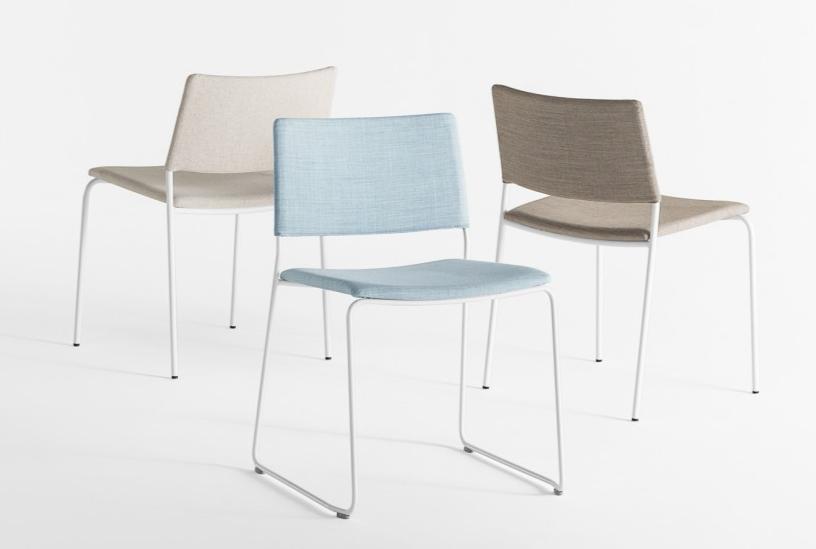 Chaise empilable Ten avec assise en tissu