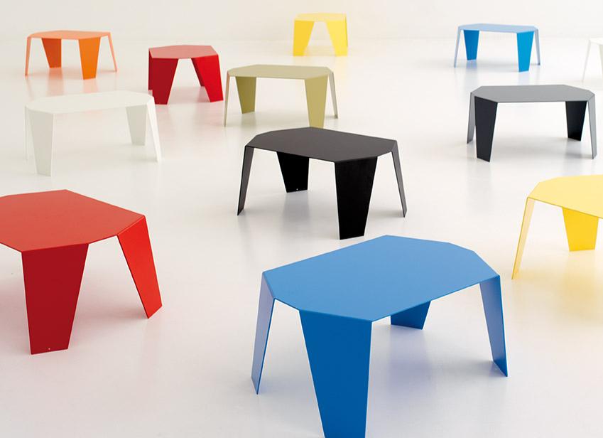 table basse color e tables tables basses. Black Bedroom Furniture Sets. Home Design Ideas