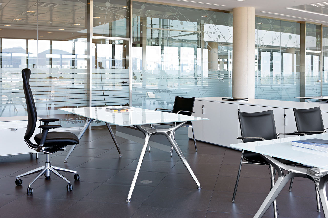 Bureau individuel design en verre Arkitek