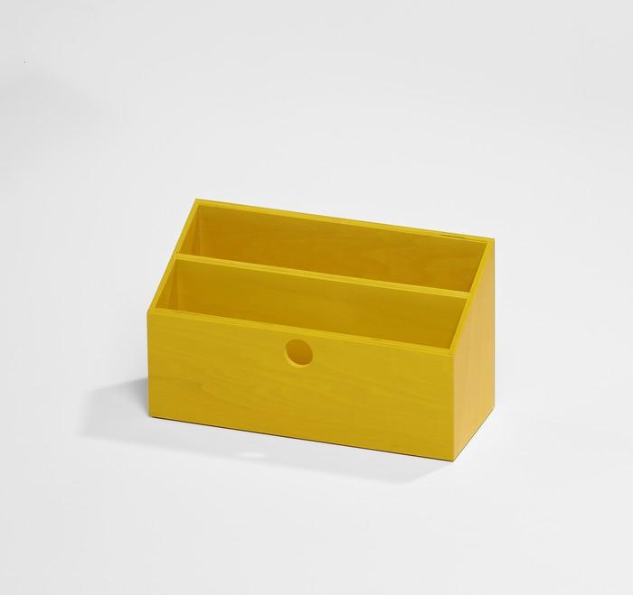 range courrier jaune rangement des papiers de bureau. Black Bedroom Furniture Sets. Home Design Ideas