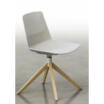 Chaise-piétement-en-bois-blanc