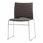 chaise-de-conférence-tapissée-sur-piqure-avec-tablette-marron
