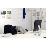 Ostrichpillow (le coussin pour les siestes au bureau)