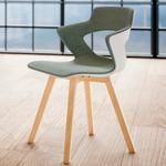 Chaise-de-réunion-design-scandinave-pietement-en-bois