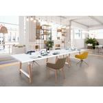 grande table de réunion avec piétement en bois