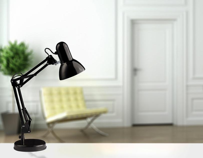 Lampe de bureau vintage noire et en métal style architecte
