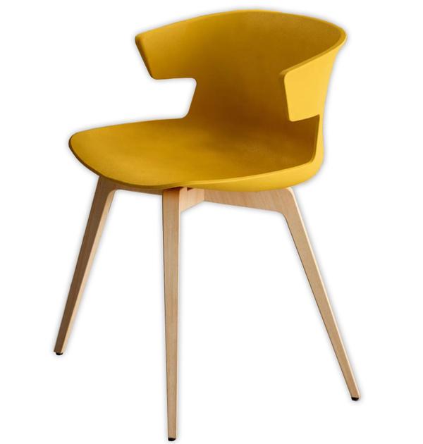 chaise-tapissée-jaune